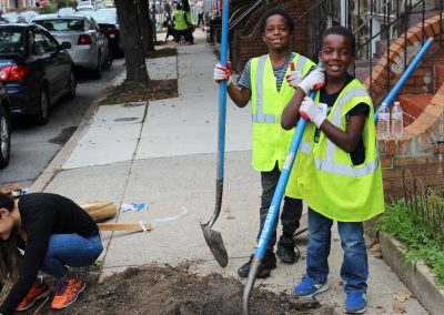 baltimore-youth-planting-trees